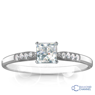 Graduated Milgrain Princess Cut Diamond  Ring (0.64ct tw)