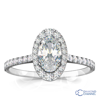 Oval Cut Graduated Halo Diamond Engagement Ring (0.89ct tw)